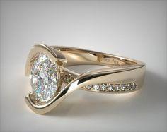 Wedding Ring Sets Unique, Matching Wedding Rings, Wedding Rings Rose Gold, White Gold Rings, Wedding Sets, Elegant Wedding, Different Engagement Rings, Unusual Engagement Rings, Emerald Ring Vintage