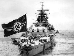 Pocket Battleship Admiral Graf Spee with Kreigsmarine Navy Flag! Pocket Battleship Admiral Graf Spee with Kreigsmarine Navy Flag! Naval History, Military History, Poder Naval, Heavy Cruiser, Navy Ships, Panzer, Luftwaffe, War Machine, Water Crafts
