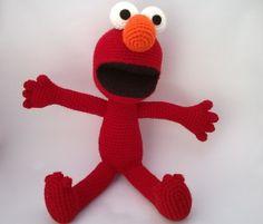 Boneco Elmo inspirado no personagem do programa de TV Vila Sésamo. Pattern design by Mucau Amigurumi