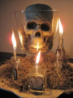 Scary halloween wedding centerpieces ideas using skull Halloween Prop, Voodoo Halloween, Casa Halloween, Halloween 2016, Halloween Skull, Halloween Party Decor, Holidays Halloween, Happy Halloween, Halloween Lighting