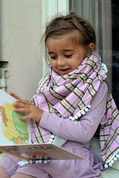 Lea in the German brand Princess Elsa en scarf from Le Pezze http://www.lesenfantsaparis.com/juliette/