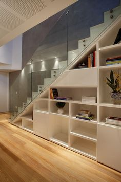Stair Shelves, Staircase Storage, Staircase Design, Grand Staircase, Flooring For Stairs, Basement Stairs, House Stairs, Modern Small House Design, Home Design