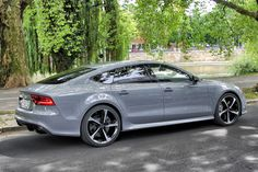 'Black Beauty' Gorgeous Audi R8Ooo… Love the color. Wish, wish, wish…Audi RS6 #GreaseGarage #Audi #RS6 #Stance #EDMAudi R8