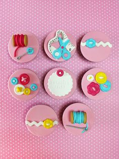 (Sewing-themed cupcakes.)  #cupcakes