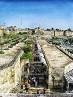 Mamilla Street… never seen this angle of it… cool  pic!   Jerusalem