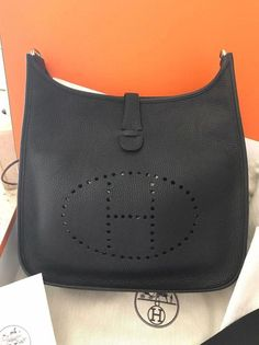 2d0bbe65eb08 New Hermes Evelyn III 33 GM Noir Taurillon Clemence Leather Cross body bag   fashion
