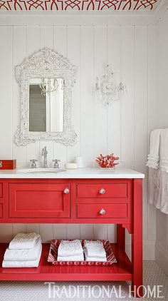 Bright bathroom via Mix and Chic.