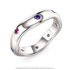 Perfect design for mother and grandmothers ring!  Hmmm that's a possibility for me to design.