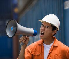 Megáfono en la expresión oral / una orden