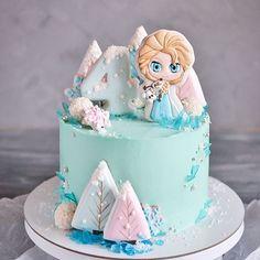 simple mug cake Frozen Themed Birthday Cake, 4th Birthday Cakes, Themed Cakes, Fondant Cakes, Cupcake Cakes, Cupcakes, Pastel Frozen, Frozen Cake, Frozen Fondant Cake