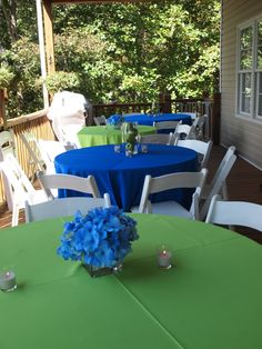 Blue and green table set up  wedding design by Enchanting Special Events Green linens, blue linens, blue wedding, green wedding, blue hydrangeas, outdoor reception