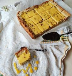 Helppo piirakkaohje: raparperi-mangojogurttipiirakka Apple Pie, Mango, Goodies, Cheese, Baking, Sweet, Desserts, Food, Diy