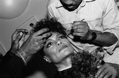 ❤️ American actress and singer Eartha Kitt, holding her puppy 🐶 while having her #makeup applied backstage before a show at the Ballroom in NYC May 1987. 📸 by Catherine McGann 💄 #tbt #makeupartist #beauty #earthakitt #love #photography