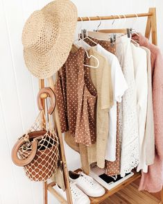 How to Build a Summer Capsule Wardrobe Looking to curate your wardrobe this season? Here are great tips on How to Build a Summer Capsule Wardrobe that you have to read now! Wardrobe Sets, Walk In Wardrobe, Capsule Wardrobe Summer, Summer Minimalist, Clothing Hacks, Closet Hacks, Interior Inspiration, Brand Inspiration, Dress Me Up