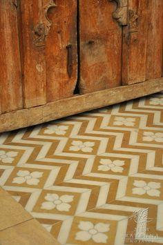 very cool floor (New Ravenna Mosaics) >>