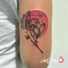 GRAPHIC MAGNOLIA Ila Ink ❤️ Pink magnolia tattoo, magnolia tattoo, pink tattoo, pink, tattoo, photo, rosa, magnolia, circle tattoo, graphic tattoo, tattoo for women, tatuaggio rosa, flower tattoo, pink, flower, tatuaggio,colorato, colored tattoo, tatuaggio,tattoo, fiori tatuati, rosa, pink, inkenso