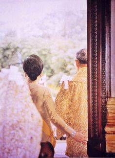 King Bhumibol Adulyadej and Queen Sirikit King Phumipol, King Rama 9, King Of Kings, King Queen, King Picture, King Photo, King Thailand, Hm The Queen, Royal Queen