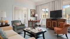 Deluxe One-Bedroom Suite   Four Seasons Hotel St. Petersburg