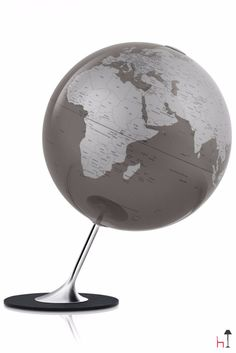 Anglo is an outstanding globe of the Atmosphere collection.