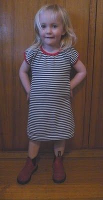 Adult t-shirt to comfy toddler dress. great and very simple tute
