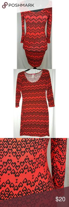 Red form-fitting dress with hearts size medium Beautiful red form-fitting dress with hearts pattern. Size medium from Body Central. I never worn this dressed. Brand new with tags. Perfect for Valentine's or a romantic Day out. Body Central Dresses