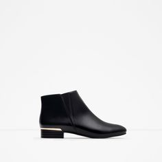 Zara flat ankle boots with metal detail C Zara Shoes Ankle Boots & Booties Women's Flat Ankle Boots, Black Ankle Booties, Zara Flats, Short Black Boots, Kinds Of Shoes, Chelsea, Plaque, Bootie Boots, Metallica