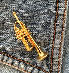 VTG SIGNED NAPIER B TRUMPET pin brooch gold tone man woman #Napier