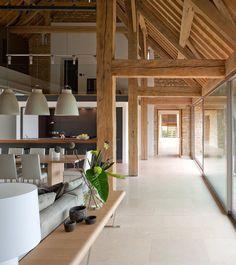 Magia mieszkania: Stodoła przekształcona w nowoczesny dom jednorodzinny