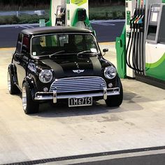 Mini Cooper S, Mini Cooper Classic, Classic Mini, Mini Countryman, Mini Clubman, Cool Sports Cars, Cool Cars, Retro Cars, Vintage Cars