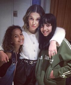 MBB w Fan x Jimmy Fallon interview Kelly Brown, Brown Brown, Cool Girl, My Girl, Browns Fans, Enola Holmes, She Is Gorgeous, Female Actresses, Millie Bobby Brown