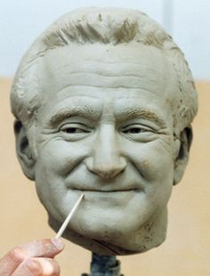 Robin Williams sculpture