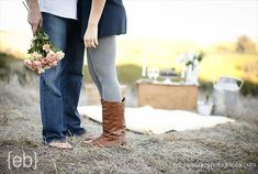 cheap date ideas to try with your honey. Try these fun cheap date ideas and spice up your love life! What are your favorite date ideas? Marriage Tips, Love And Marriage, Fun Cheap Date Ideas, Engagement Couple, Picnic Engagement, Engagement Shoots, Good Dates, Good And Cheap, Couple Photography