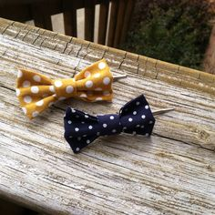 Mustard Yellow and Navy Bow Set on Etsy, $4.00