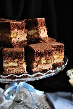 Öt éve sütöttem utoljára ezt a süteményt... Pedig nagyon finom. Nem is értem, hogy miért került a feledés homályába.... Hungarian Desserts, Hungarian Recipes, Hungarian Food, Sweet Cookies, Holiday Candy, Candy Recipes, Desert Recipes, Nutella, Deserts