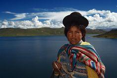 Acabo de compartir la foto de Milton Cesar Rodriguez Triviños que representa a: Niña del lago Titicaca