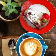 Coffee again - this time @cocoandthyme - #northfitzroy & #delicious raspberry & white #chocolate cake.  #coffee #melbournecafe #melbournefood #melbonpix #coffeeculture #visitmelbourne #restaurantaustralia #visitvictoria #instafood #foodstagram