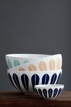 Ceramic 'New Lotus' bowls | Design: Gunnar Flørning (original design: Arne Clausen)