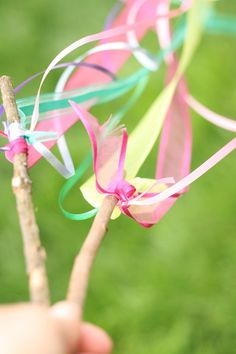5-Minute Twirling Ribbon Sticks - Happy Hooligans