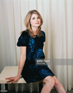 Please check out my Website So Doctor Who iis back wth over 8 million overnight viewers. For this reason I am paying tribute to Jodie Whittaker as well as a nod back to her predecessors. Azul Tardis, British Actresses, Actors & Actresses, Jodi Whittaker, 13th Doctor, Eleventh Doctor, Doctor Who Companions, Broadchurch, Female Doctor