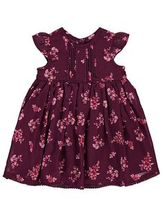 In a ditsy floral print, your little one will fall head over heels for this sweet party dress. Ideal for birthday parties with school friends or formal occas. Baby Girl Dresses, Baby Dress, Baby Girls, Dress Outfits, Girl Outfits, Teddy Bear Clothes, Baby George, Ditsy Floral, Latest Fashion For Women