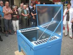 Solar Cookers World Network - Solar Cooking Basics        Intro to solar cooking      Build a solar cooker      Buy a solar cooker      Tips and tricks      Books      Recipes  - Pic = Electro Solar Cooker with built-in photovoltaic panels.
