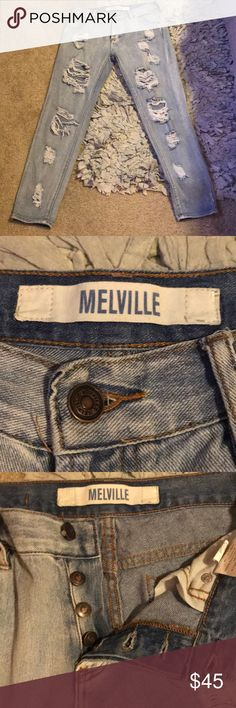 Brandy Melville distressed jeans 👖 Super soft and adorable Brandy Melville distressed jeans 👖 button up crotch...in amazing 😉 condition besides one belt hoop ripped (shown in pic) light wash. No modeling No trades. Bundle to save dolls. Smoke free closet. I ship same or next day ❤️ Brandy Melville Jeans Skinny Upside Down Braid, Brandy Melville Jeans, Jeans Button, Distressed Jeans, Hoop, Modeling, Smoke Free, Skinny Jeans, Belt