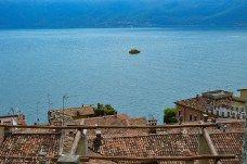 Beautiful view in Limone, Lake Garda (Italy) - Learn more about Limone sul Garda in my blog post! #lakegarda #gardasee #lagodigarda #lombardy #lombardei #lombardia #italien #italia #travelblog #travelblogger #reisen #traveltips #reiseblog #breakfast #italian  #slowlife #slow #slowtravel #lake #landscape #reisetipps #travelersnotebok #urlaub #ferien #vacation #vacances #vacaciones
