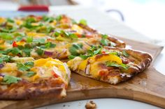 Chicken Fajita Pizza from @Angie McGowan (Eclectic Recipes)