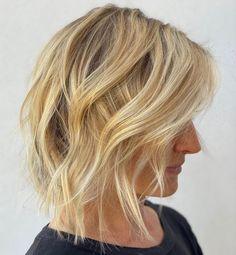Collarbone-Length Textured Cut Layered Haircuts Thin Hair, Inverted Hairstyles, Medium Layered Hair, Cute Hairstyles For Medium Hair, Medium Short Hair, Long Bob Hairstyles, Medium Hair Cuts, Medium Hair Styles, Long Hair Styles