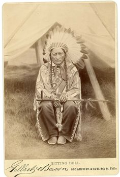 Native American Images, Native American Regalia, Native American Artwork, Native American Beauty, American Indian Art, Native American Beading, Native American History, Sioux, Native Tattoos