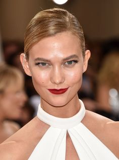 Karlie Kloss at the 2016 Met Gala.