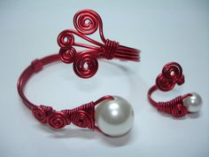 Red Wire and White Pearls Bracelet and Ring por ArtesanBisutery, €15.00