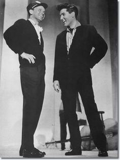 March 1960 Frank Sinatra and Elvis Presley Rehearsals for 'The Frank Sinatra Timex Special' - Franck Sinatra, Timex Watches, Elvis Presley Photos, Amazing Watches, Dean Martin, James Dean, Graceland, Rock N Roll, How To Look Better