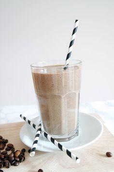 Kaffee Smoothie mit Kokoswasser
